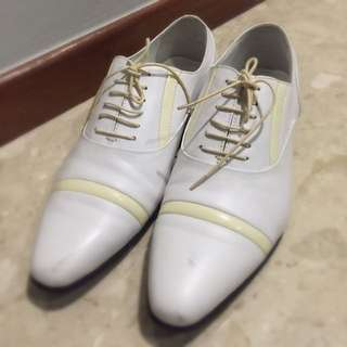 Pre-loved Pedro White Pair Of Shoes For Men