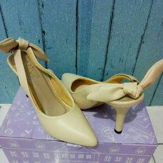 Alive Lolita Cream Shoes Berrybenka