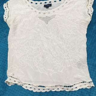 Witchery 8 cream top