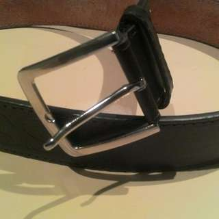 Mens BOSS Thick Leather belt size 34""