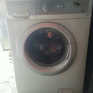 Electrolux Front Load Washing