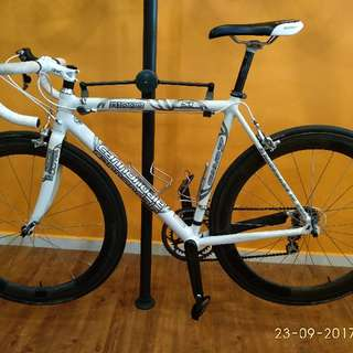 Cannondale Road Bike CAAD 7 (selling without wheels and pedal)