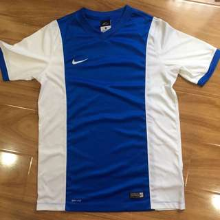 Nike dri fit small size