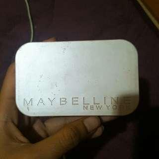 maybelline satin two way cake shade B5