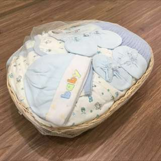 Starter Baby Premium Blanket & Apparels (2 Sets)