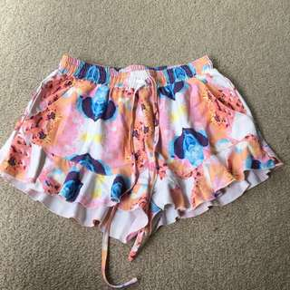 Frill bottom shorts