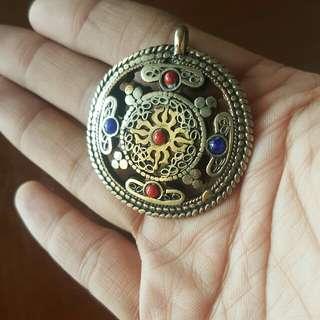 西藏銅製頸部掛飾