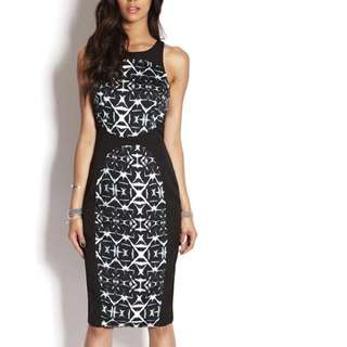Wish Sz 10 fitted printed Midi dress