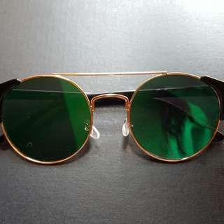 Green Flash Reflective Gold Rimmed Cat Eye Sunglasses