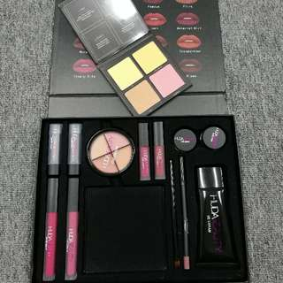 HUDA BEAUTY 13 IN 1 SET