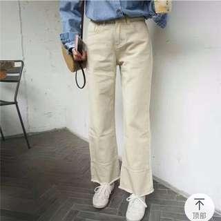 杏色寬鬆直筒毛邊牛仔褲