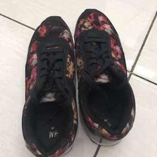 Sepatu H&M sz 39