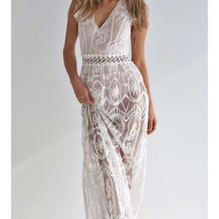 Stunner boutique lace formal dress *hire* or *buy*