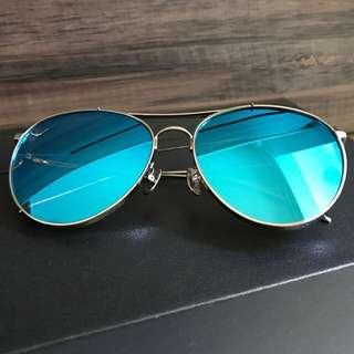 6903d0e1c4e6 Gentle Monster sunglasses  Genuine