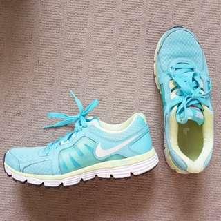 Nike st2 dual fusion 7.5 38.5 shoes womens