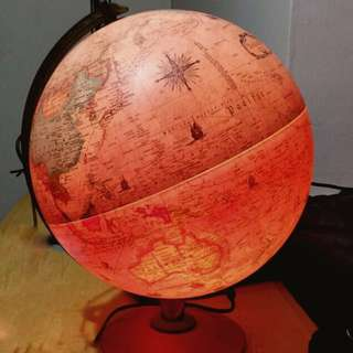 Vintage World Globe Lamp