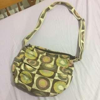 Heartstrings String Shoulder Bag
