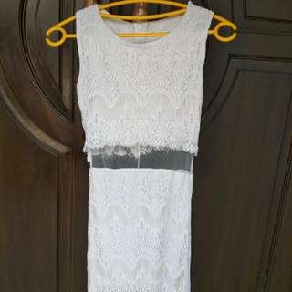white mididress