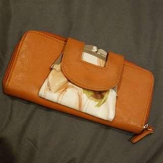 Avon Leather Wallet