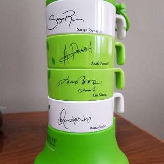 Mug set with athletics signature