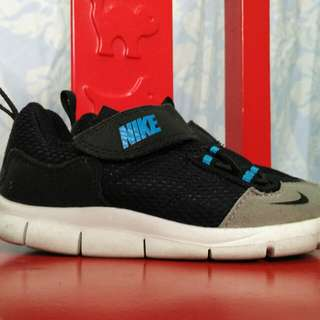 Authentic Nike sneakers shoes