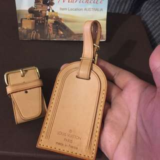 Louis Vuotton Poignet And Luggage Tag And Gold Hardware Clip