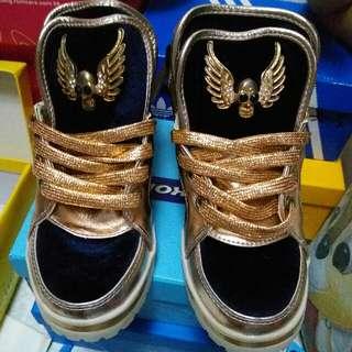 35碼絨面小童鞋
