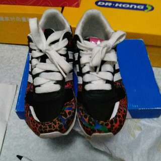 adidas 30 . 5碼運動鞋