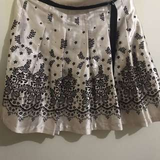 Cute floral skirt - made in Korea