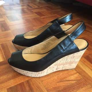 Black wedge in size 7,5