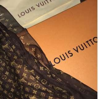 Louis Vuitton brown scarf
