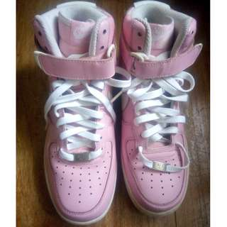 VINTAGE NIKE AIR FORCE 1 '82' LIGHT PINK FLORAL HIGH CUT US SIZE 8.5 (USED ONLY ONCE)
