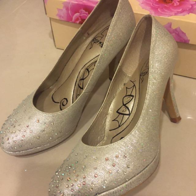 銀白水鑽高跟鞋