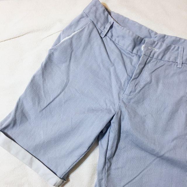 ,,細直條紋淺藍五分休閒短褲,,