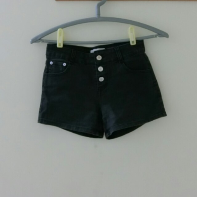東京著衣 排扣短褲