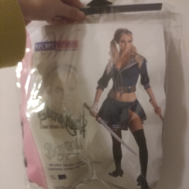 Baby doll Halloween Costume includes sword