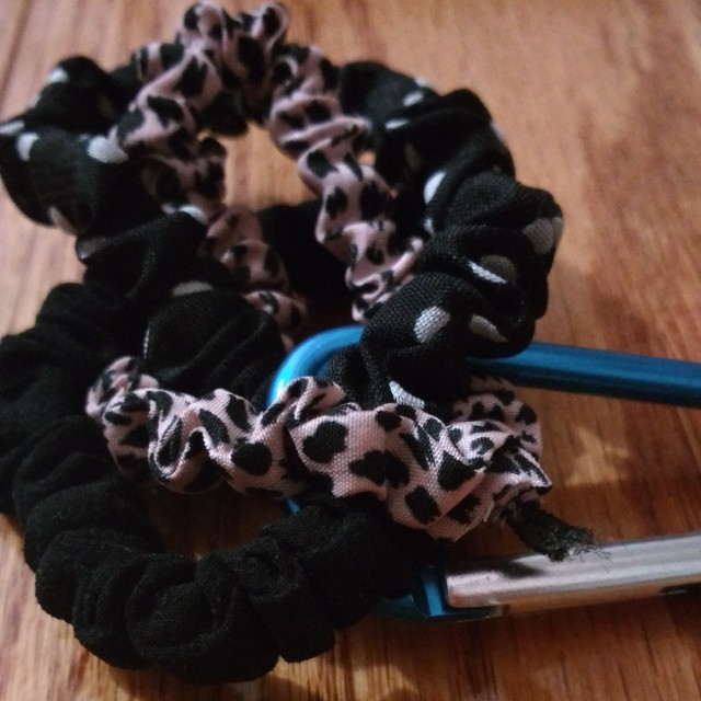 Detailed hair ties
