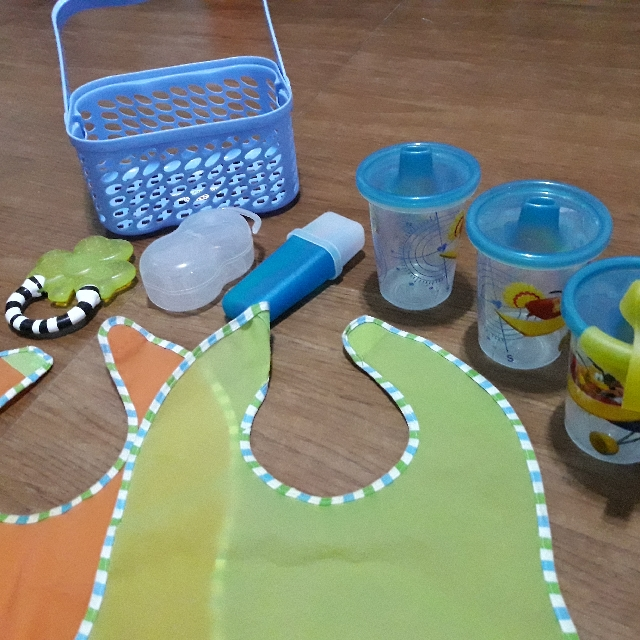 Feeding Stuff for Babies & Toddlers SOLD AS LOT