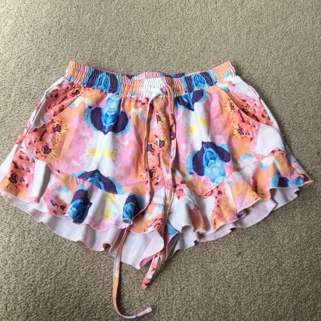 Frill bottom shorts