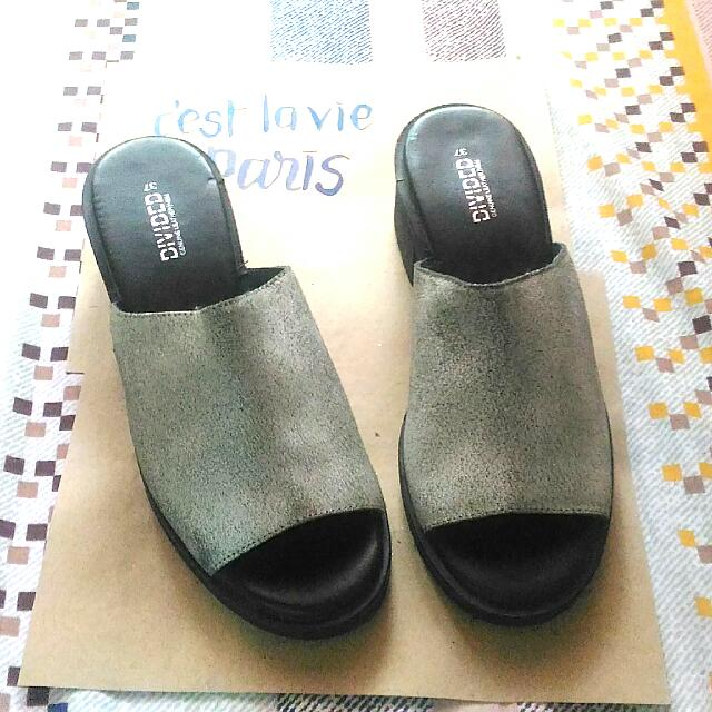 (FREE SHIPPING) H&M Sandals (Genuine Leather)