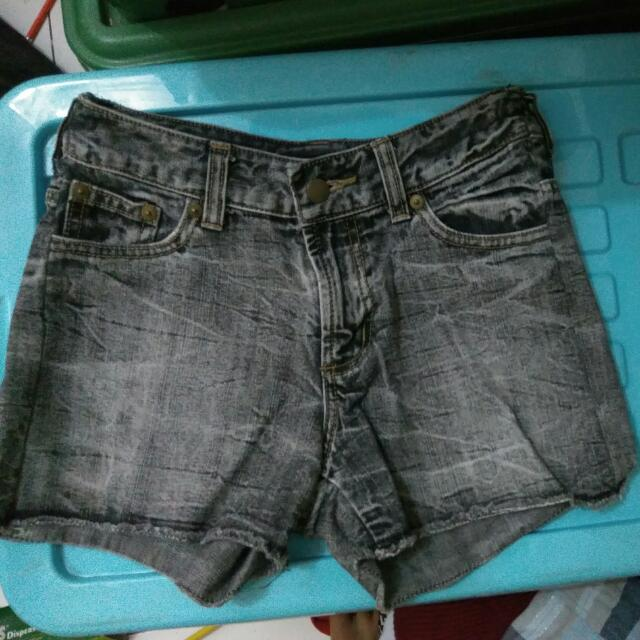 Hotpants .(Celana Pendek Jeans) Uk. S