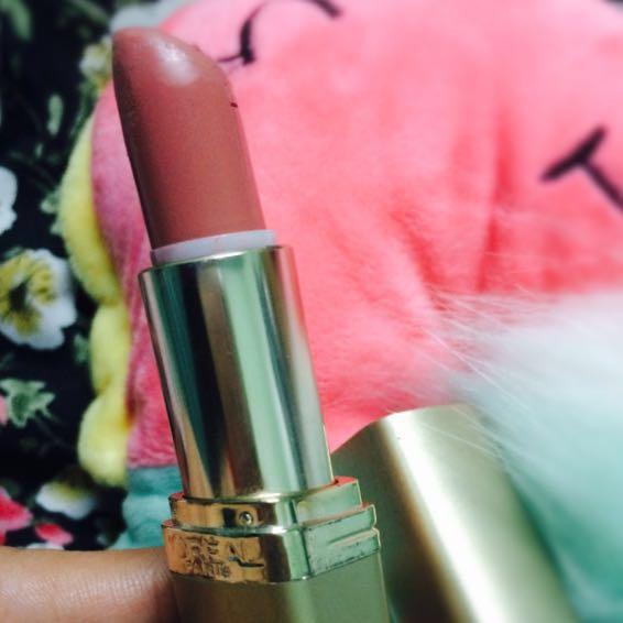 Loreal Lipstick In Fairest Nude