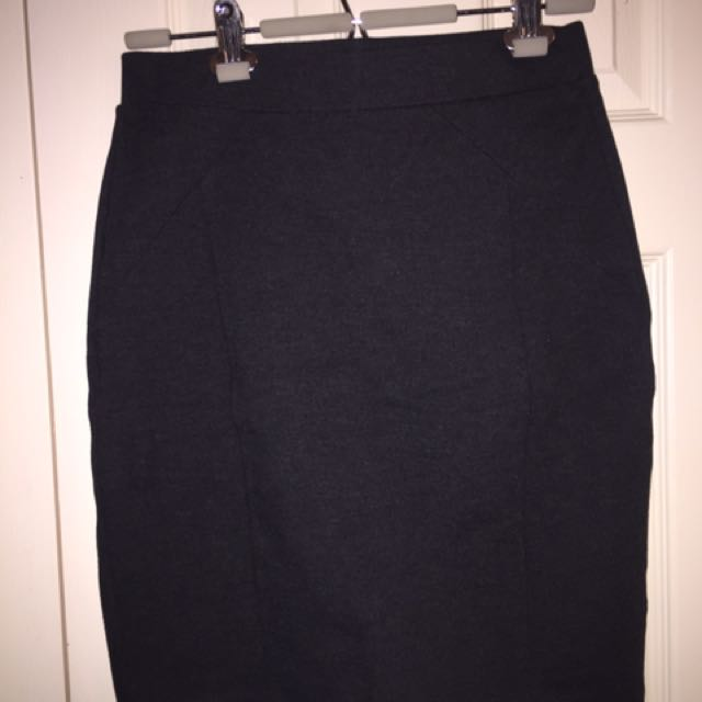Mario Serrani dark grey sz S stretch skirt