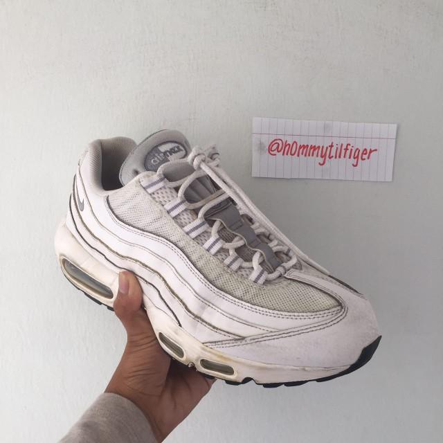 the best attitude 6f0b4 b0a29 NIKE AIR MAX 95 TRIPLE WHITE (3M REFLECTIVE), Men s Fashion, Footwear on  Carousell