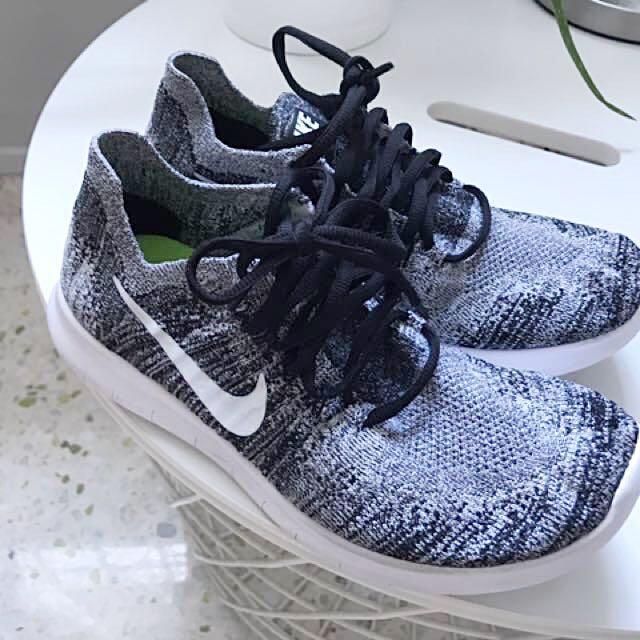 55fa7cb554fa3 Nike Free RN Flyknit 2017 Authentic Black white
