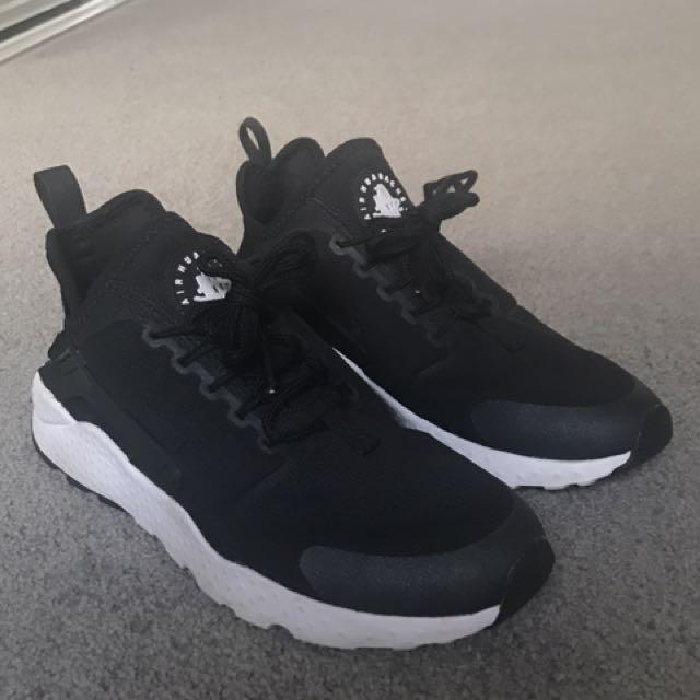 Nike women's huarache size 7