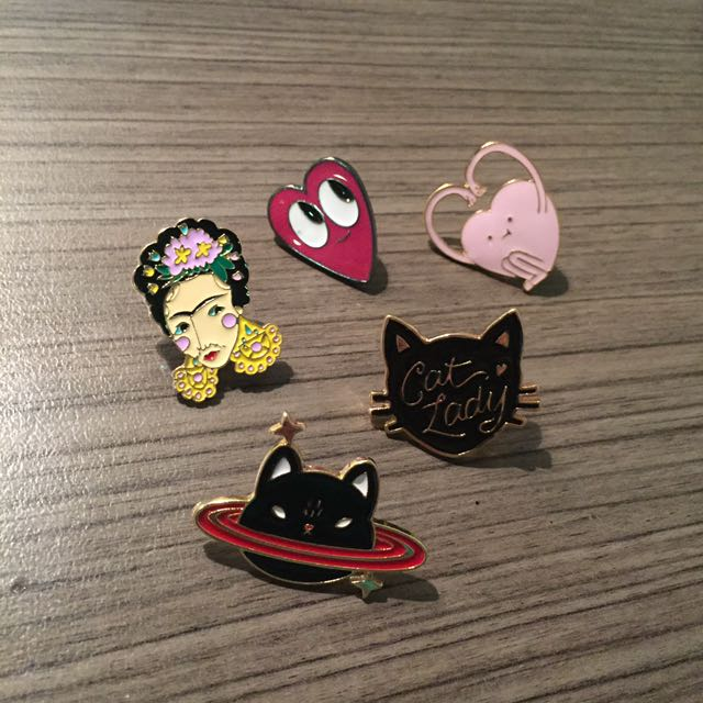 Pins / Badges