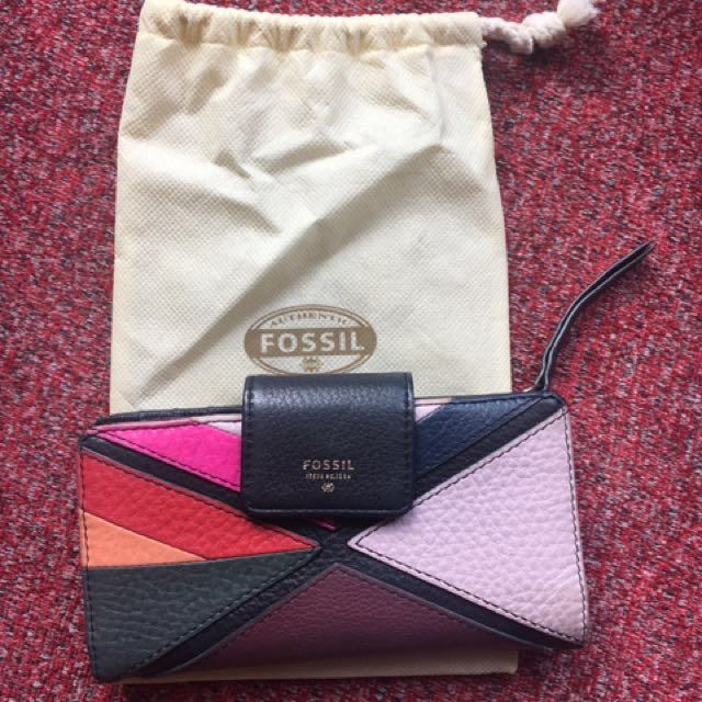 Preloved fossil authentic wallet