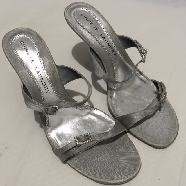 PRELOVED, UNUSED Chinese Laundry Heels (size:7.5)