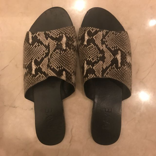 RAYE Python Sandals 🐍